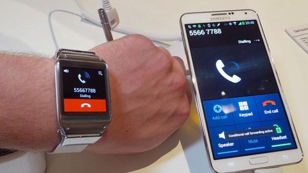xl_samsung-galaxy-gear-phone