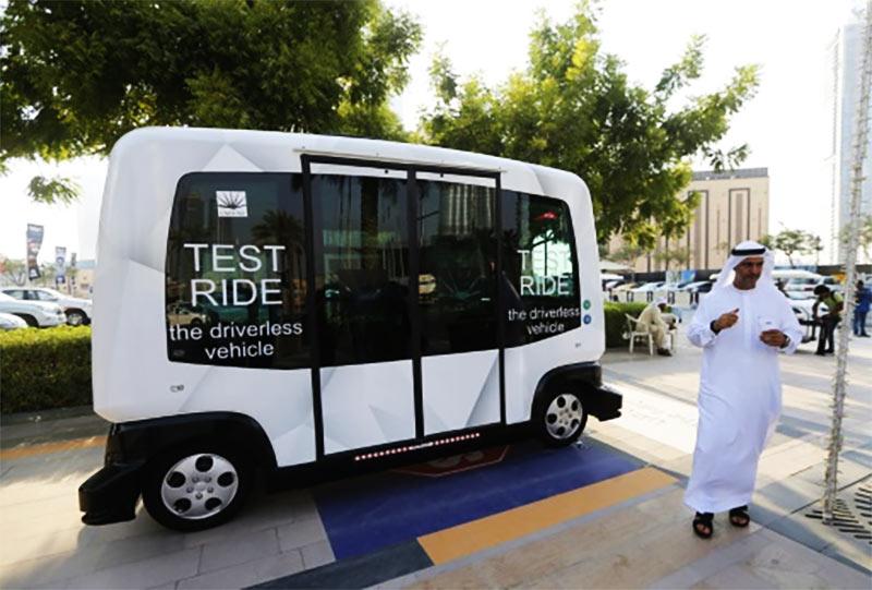 dubai-driverless-buss